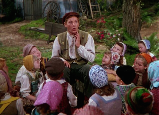 "Danny Kaye telling the story of ""The Ugly Duckling"" in the film Hans Christian Andersen"